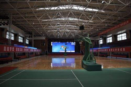廣西吉林省長春市解放大路小學體育館網架