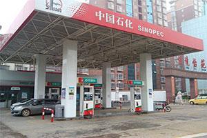 某江西長江大道加油站
